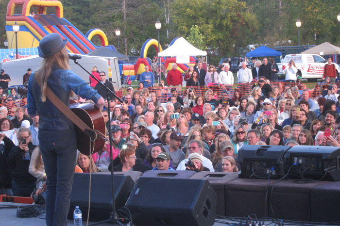 Sawyer Fredericks drew a crowd of about 2,000 people on Saturday. Chronicle photo/Cathy DeDe